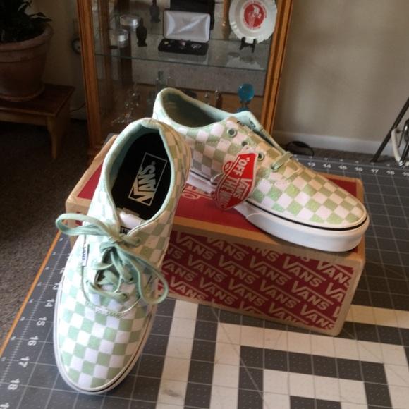 Vans Shoes   Vans Doheny Womens Skate